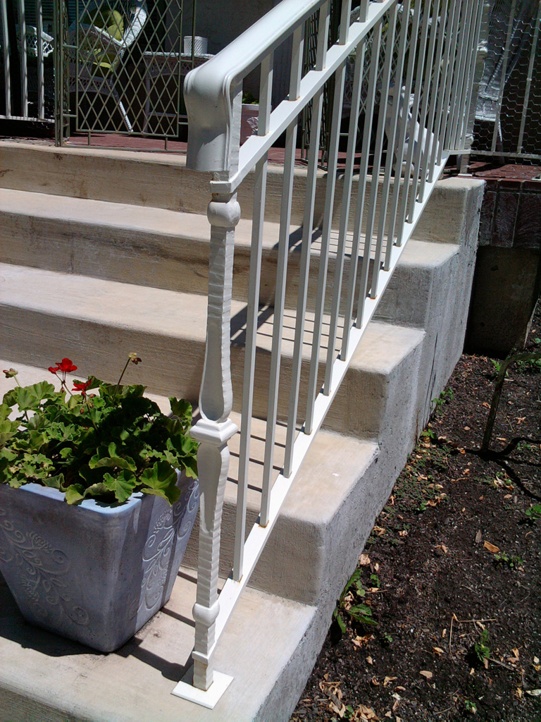 iron-anvil-railing-double-top-simple-keller-ferris-rental-1-3