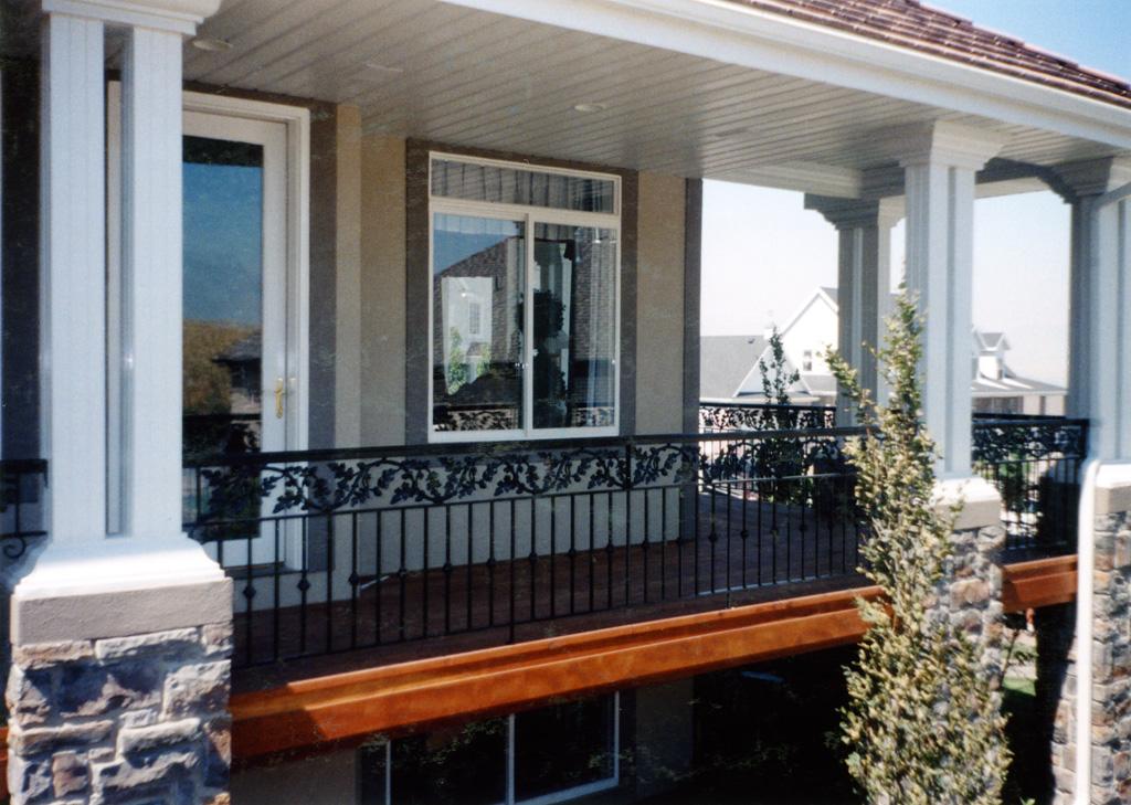 iron-anvil-railing-double-top-valance-casting-oak-10-4506-symphony-home-3-2