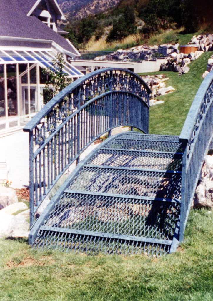 iron-anvil-railing-double-top-valance-casting-square-pattern-12-1007-denny-jensen-bridge-2-8