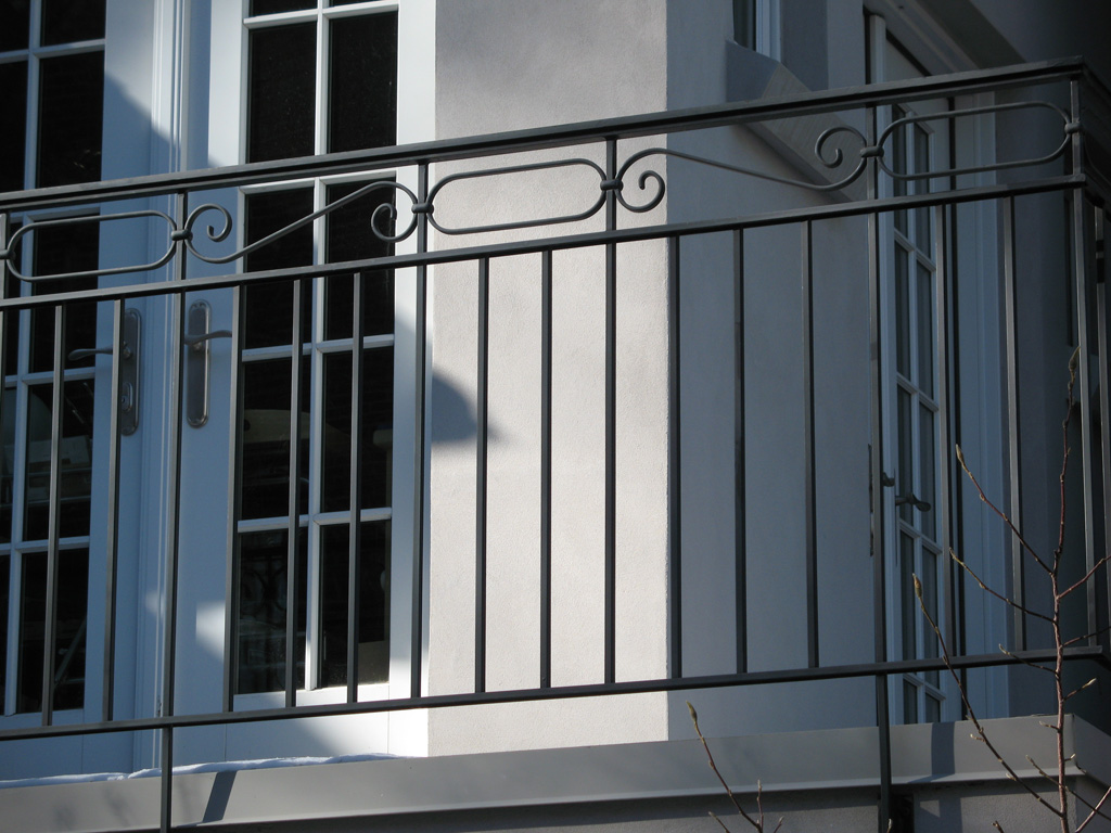 iron-anvil-railing-double-top-valance-steel-scrolls-ovals-williams-tane-2