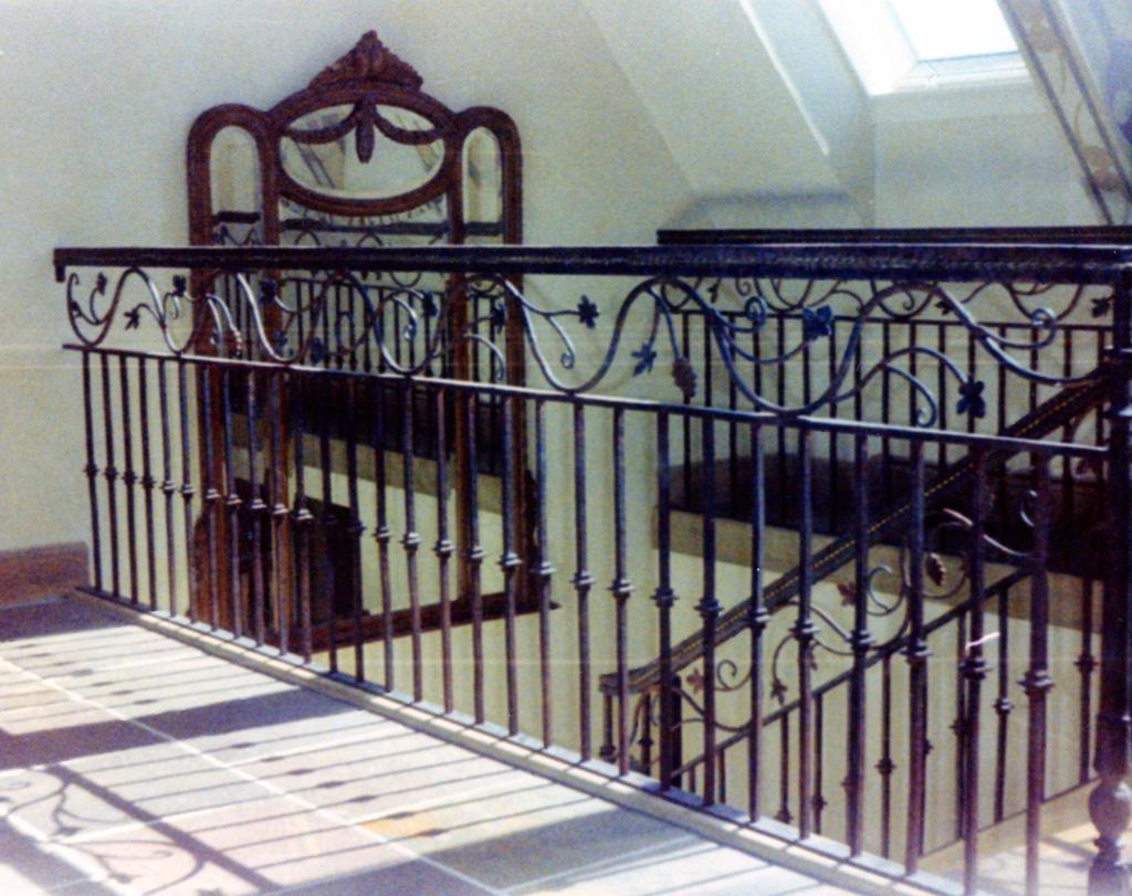 iron-anvil-railing-double-top-valance-vine-loft