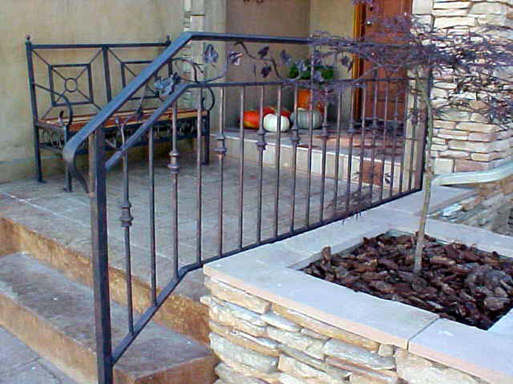iron-anvil-railing-double-top-valance-vine-rail-center-circles-2