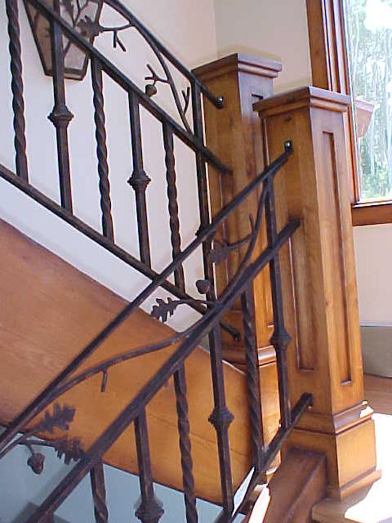 iron-anvil-railing-double-top-valance-vine-sletta-5-5