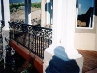 iron-anvil-railing-double-top-valance-casting-oak-10-4506-symphony-home-3-3