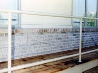 iron-anvil-railing-horizontal-cable-00