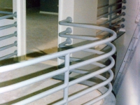 iron-anvil-railing-horizontal-pipe-01