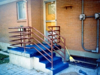 iron-anvil-railing-horizontal-pipe-rear-deck
