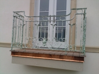 iron-anvil-railing-scrolls-and-patterns-european-circles-keller-balcony-1