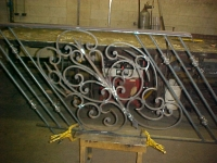 iron-anvil-railing-scrolls-and-patterns-window-bishop-curved-rail-2