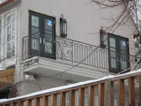 iron-anvil-railing-scrolls-and-patterns-window-top-circles-graner-scroll-rail-loop-arlington-slc-1