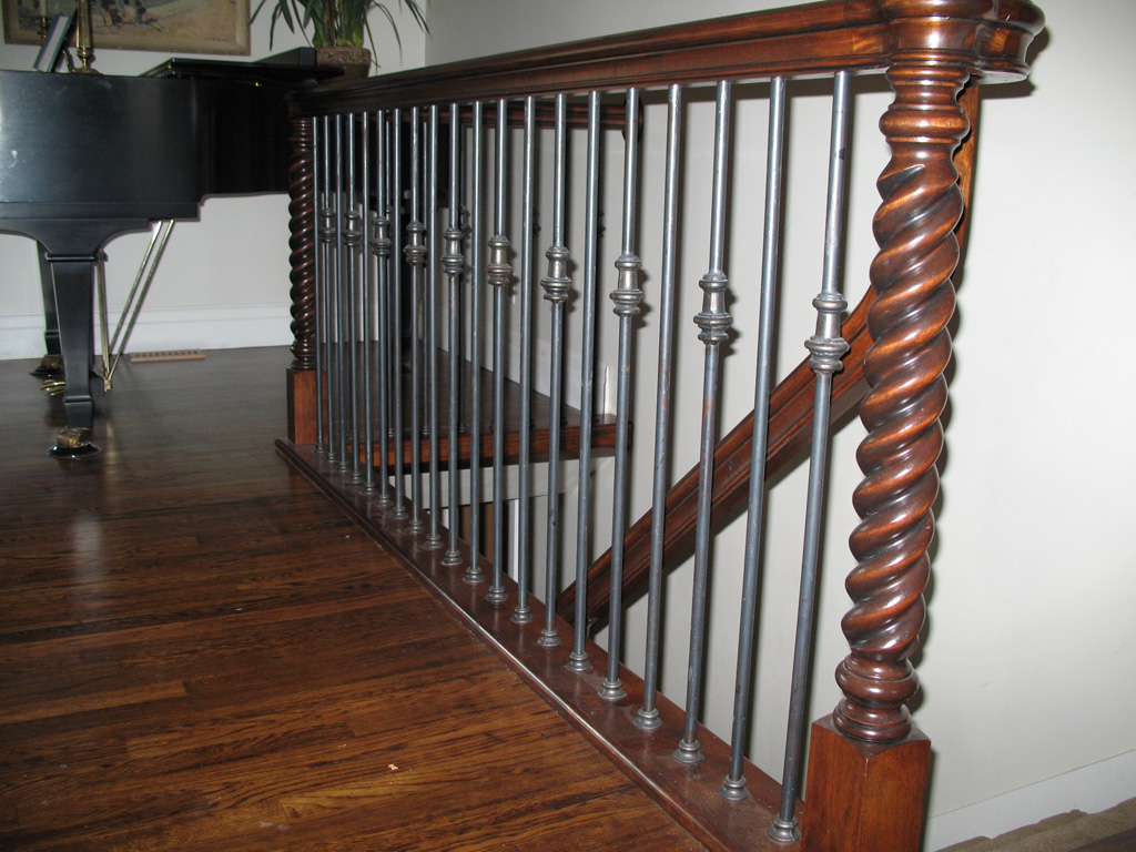 iron-anvil-railing-single-top-collars-floor-mount-hogan-justin-collars-round-bar-floor-mount-1
