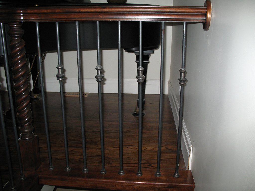 iron-anvil-railing-single-top-collars-floor-mount-hogan-justin-collars-round-bar-floor-mount-4