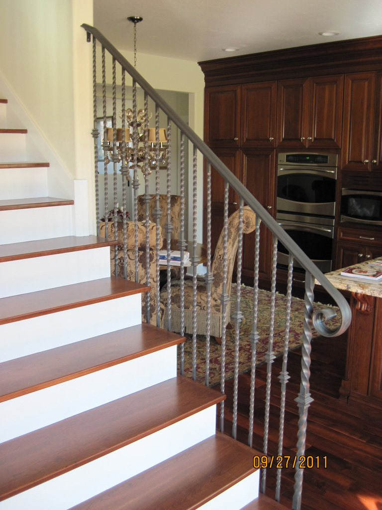 iron-anvil-railing-single-top-collars-twist-tyler-home-mapleton-6