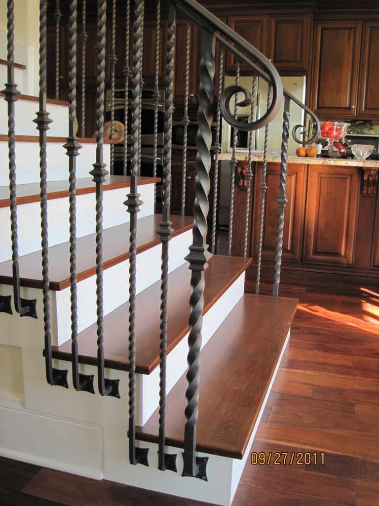 iron-anvil-railing-single-top-collars-twist-tyler-home-mapleton-7