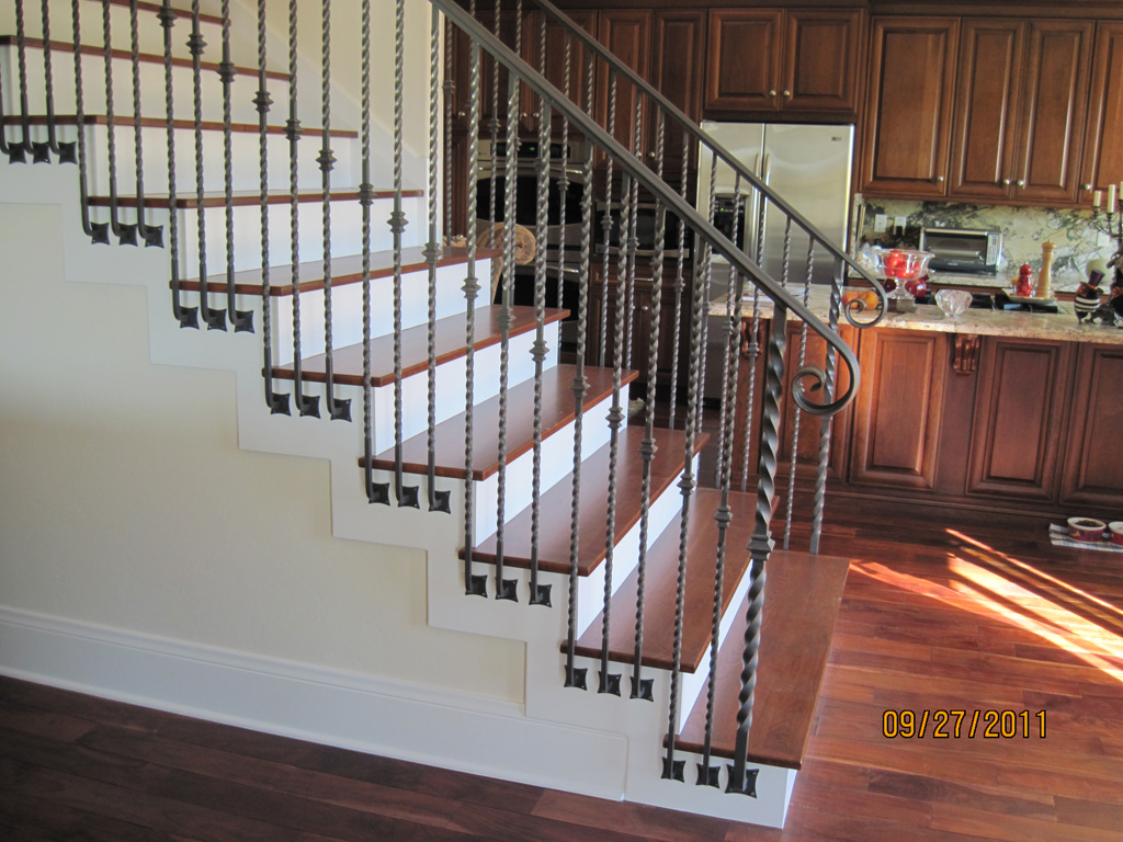 iron-anvil-railing-single-top-collars-twist-tyler-home-mapleton-8
