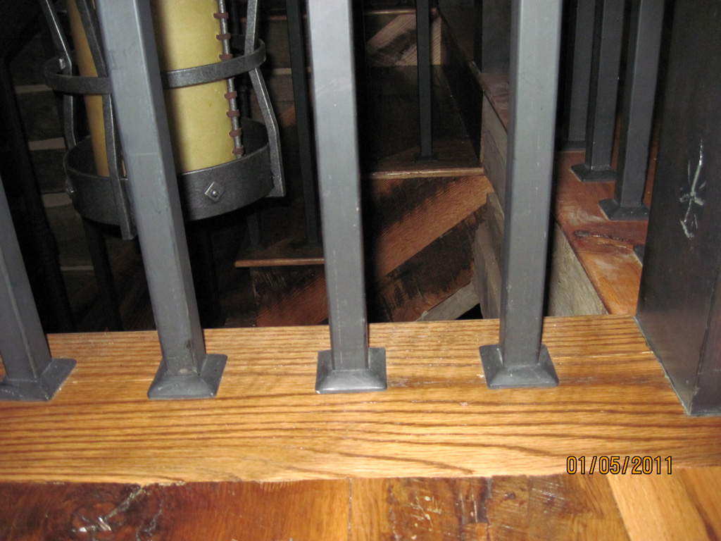 iron-anvil-railing-single-top-collars-yukon-lot-38-glenwild-3