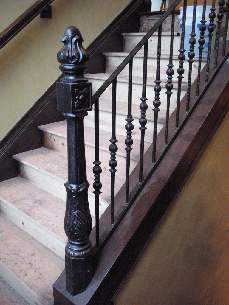 iron-anvil-railing-single-top-collars-yukon-steel-collars-rafael-post