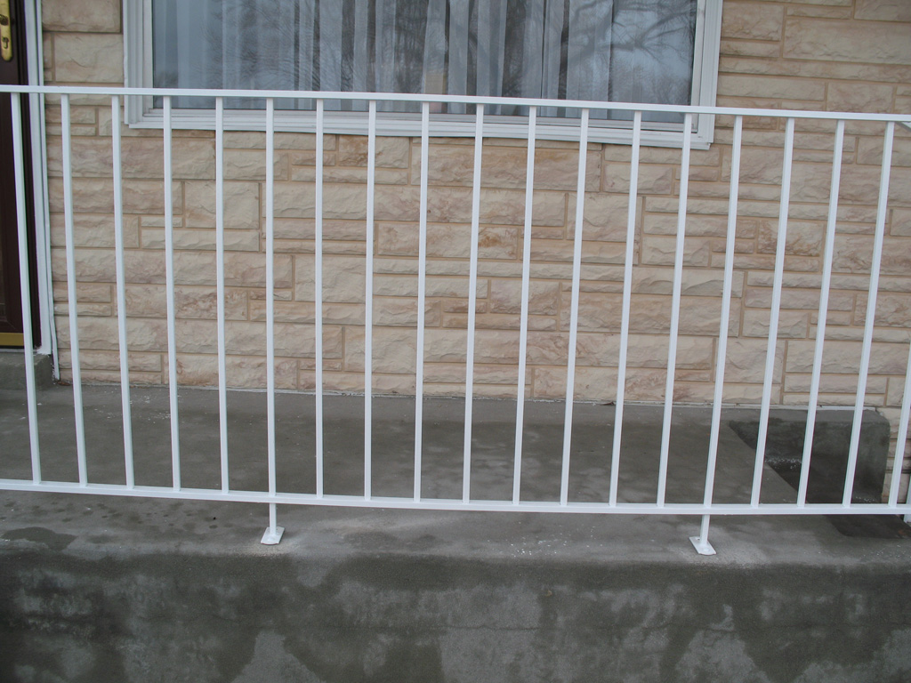 iron-anvil-railing-single-top-simple-rail-assist-bastow-14675-1
