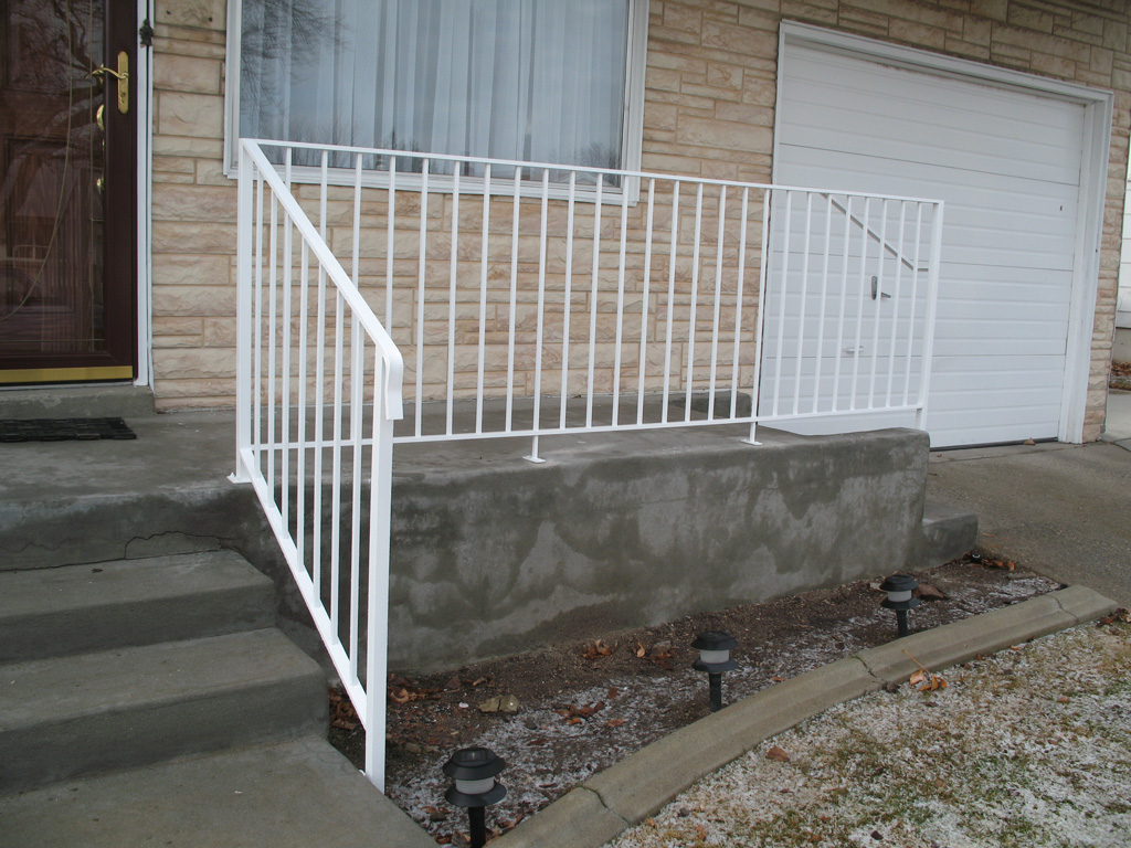 iron-anvil-railing-single-top-simple-rail-assist-bastow-14675-3