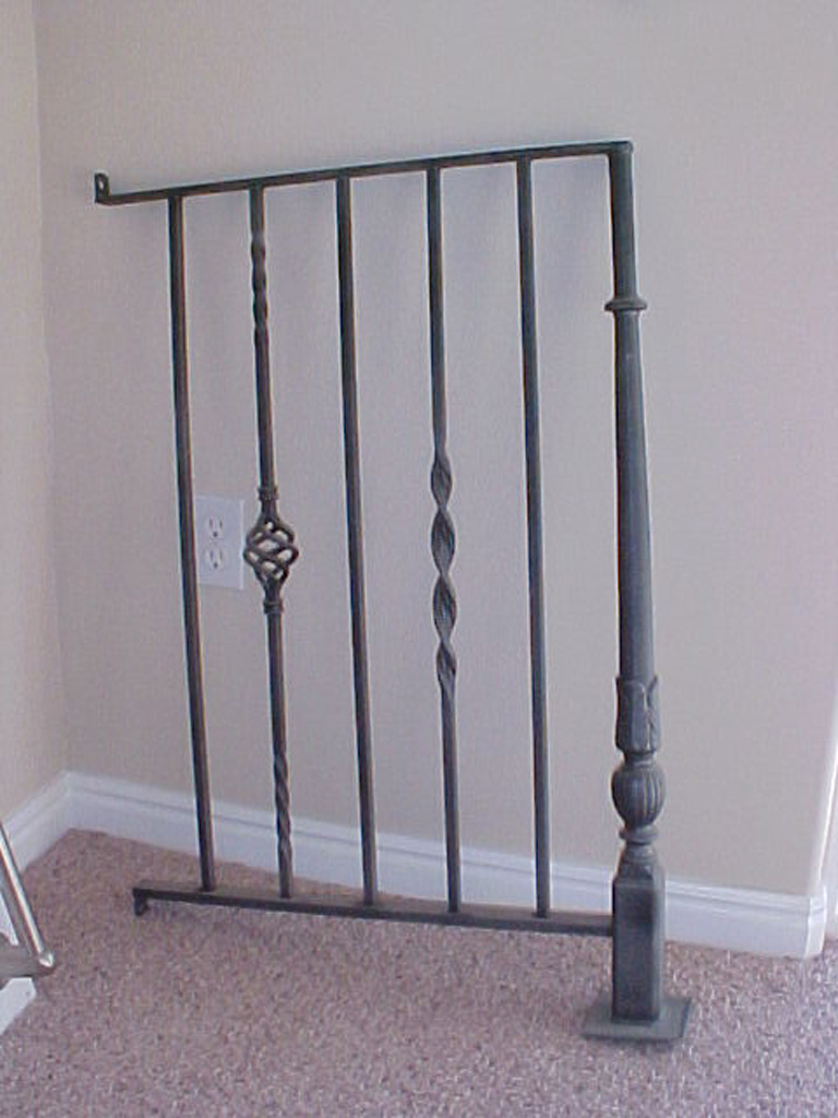 iron-anvil-railing-single-top-twist-basket-10-xxxx