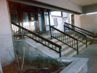 iron-anvil-railing-single-top-simple-radisson-hotel-141-1