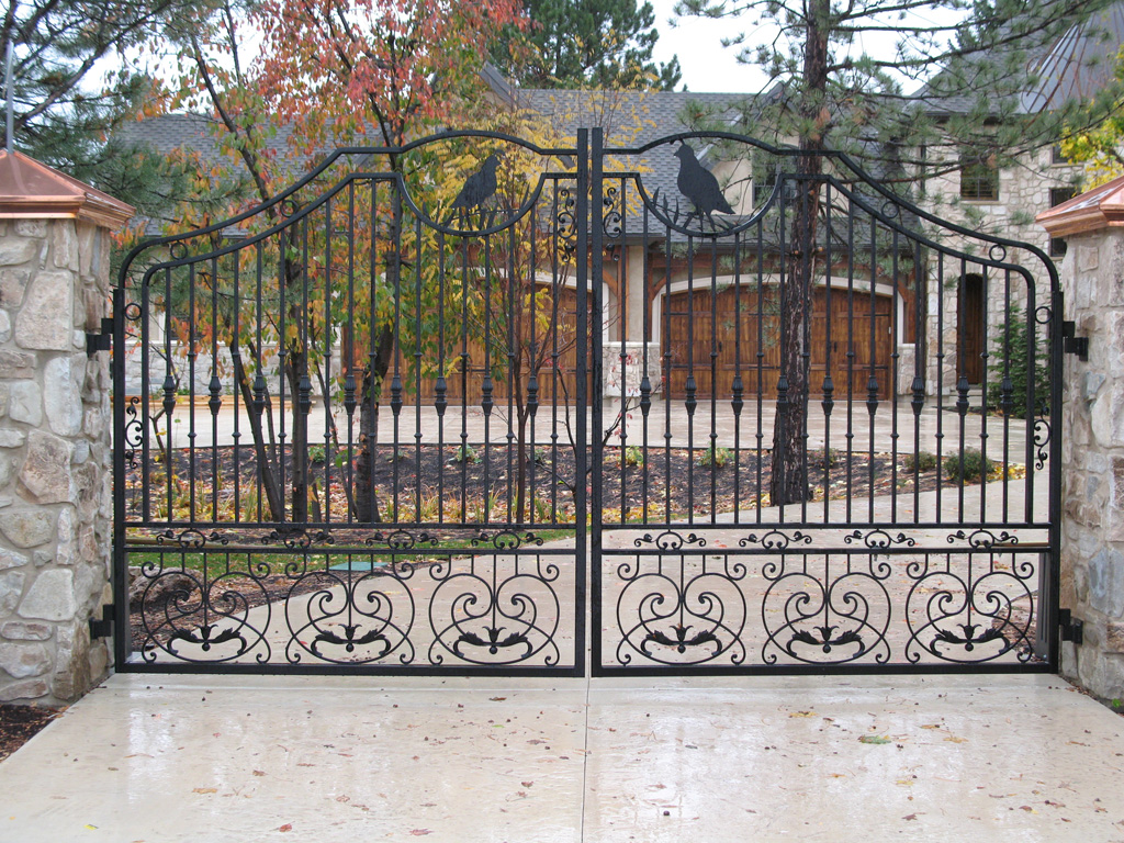 Iron-Anvil-Page-01-Gates-Driveway-French-Curve-Integrated-Mcdowell-Randy-Quail-13234-2